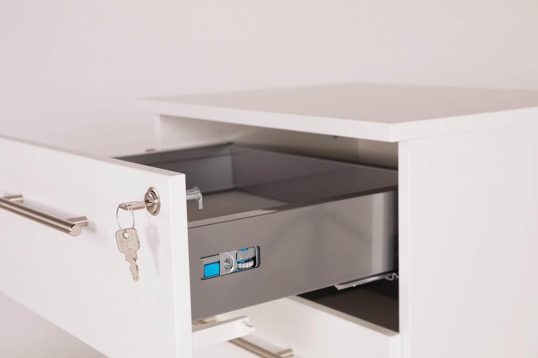 Isla-lääkevaunun yläosassa on kaksi matalaa laatikkoa, johon mahtuvat mm. dosetit