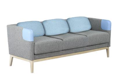 Kolmen istuttavassa Isla-sohvassa on matala selkänoja
