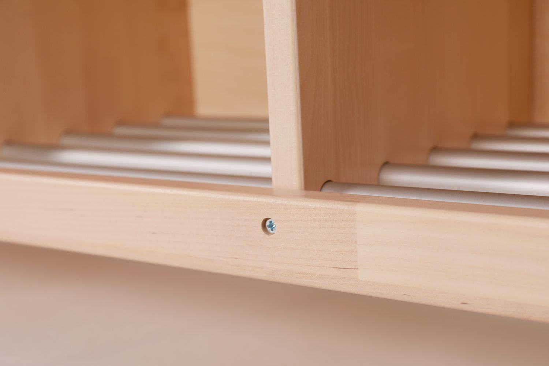 Muksu-naulakkosarja vastaa päiväkotien ja koulujen muuttuviin tarpeisiin, sillä sitä valmistetaan 2-, 3-, ja 4-osaisena